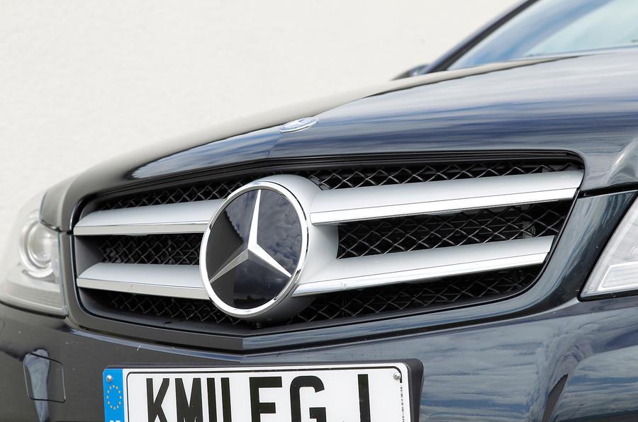 Mercedes-Benz C-Class Coupé front grille