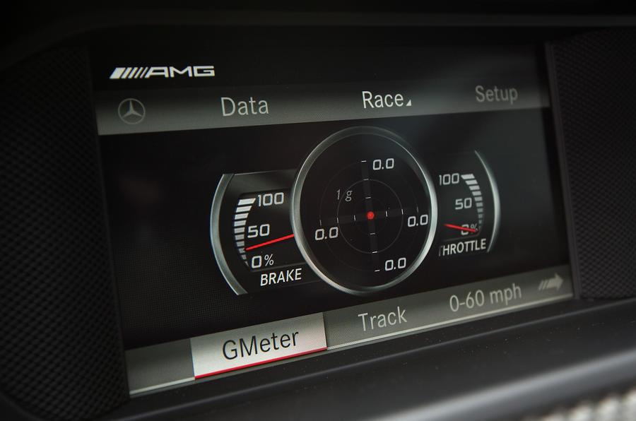 Mercedes-AMG C 63 Coupé infotainment system