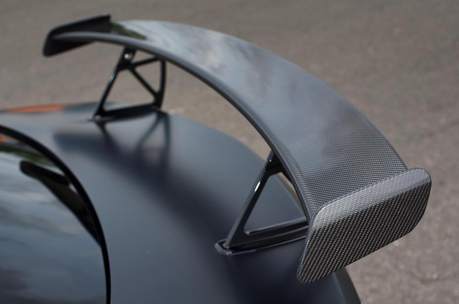 Mercedes-AMG C 63 Coupé rear wing