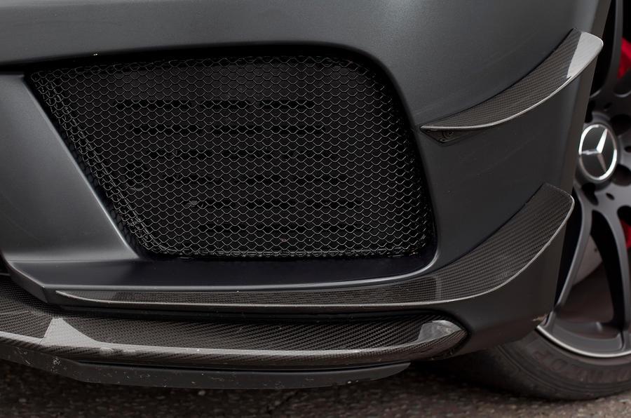 Mercedes-AMG C 63 Coupé front fins
