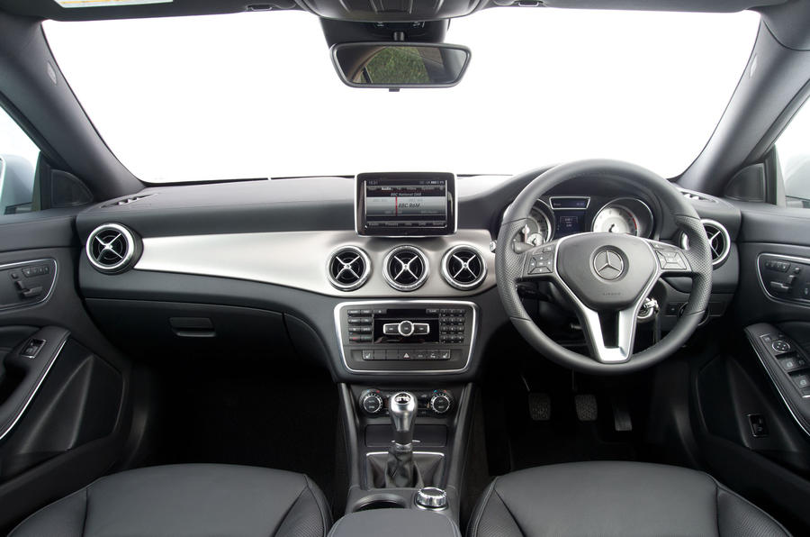 ... Mercedes Benz CLA Dashboard ...