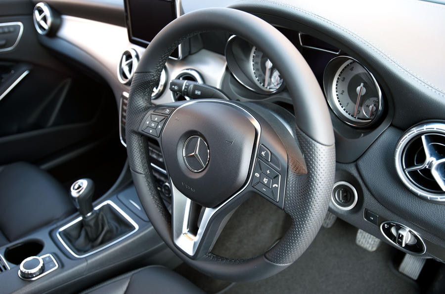 ... Mercedes Benz CLA Steering Wheel ...