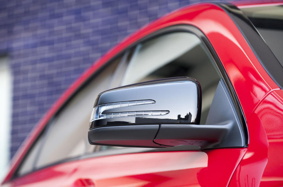 Mercedes-Benz CLA wing mirror