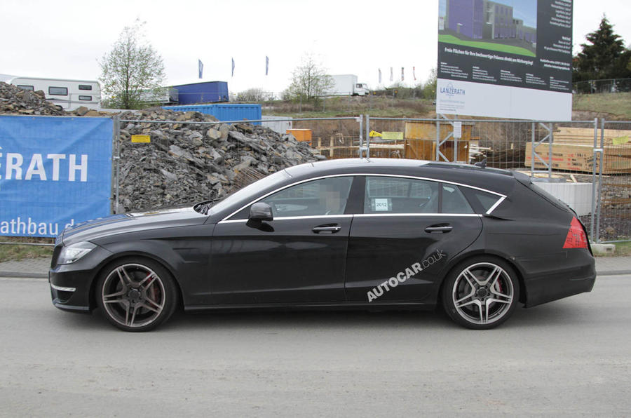 Hot Mercedes Shooting Brake spied