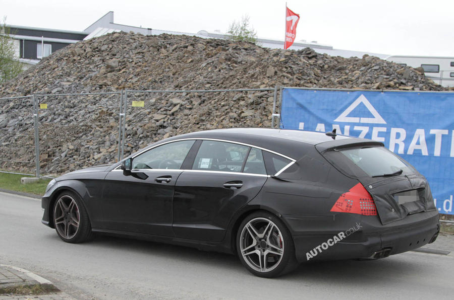 Hot Mercedes Shooting Brake spied