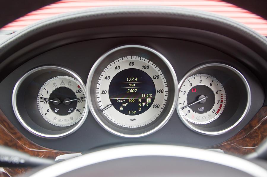 Mercedes-Benz CLS instrument cluster