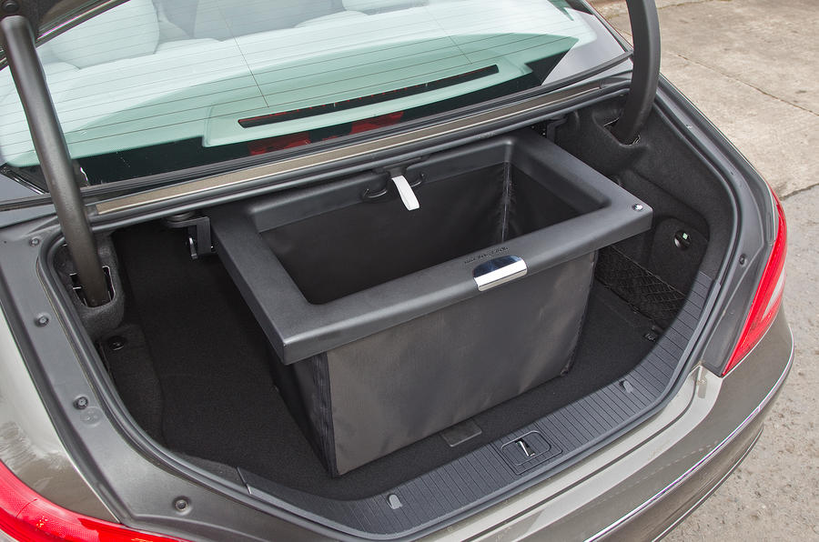 Mercedes-Benz CLS foldaway boot box