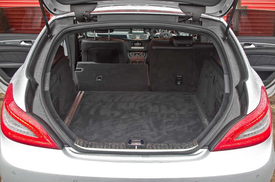 CLS Shooting Brake boot space