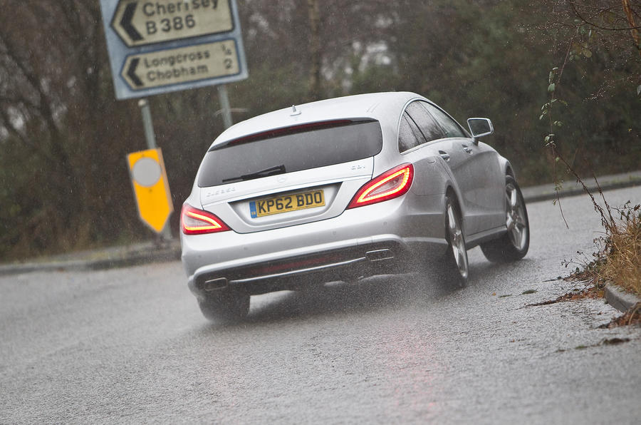 CLS Shooting Brake rear cornering