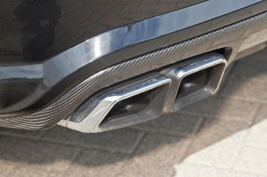 Mercedes-AMG CLS 63 quad exhaust