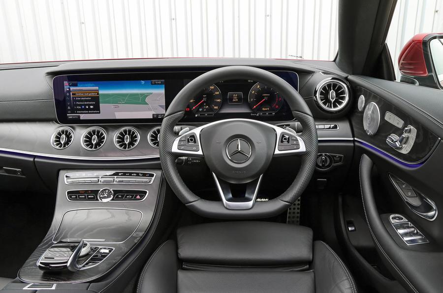 Mercedes-Benz E-Class Coupé dashboard