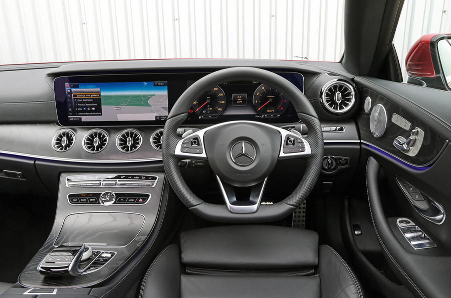 ... Mercedes Benz E Class Coupé Dashboard ...