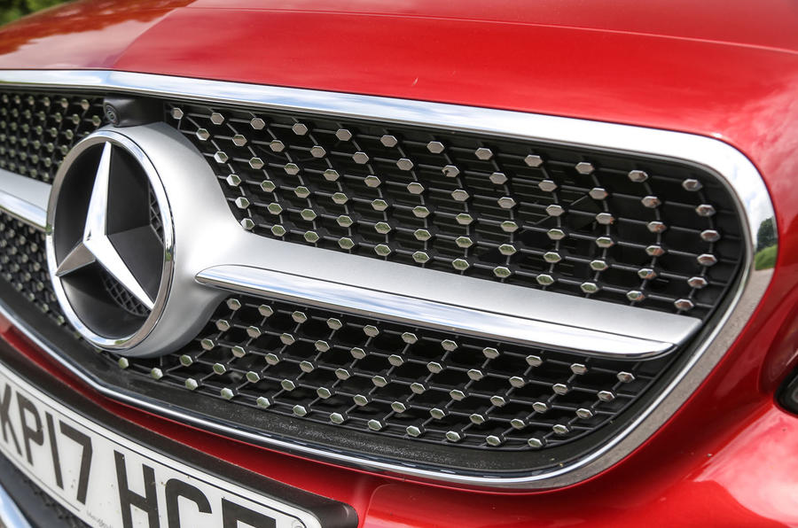 Mercedes-Benz E-Class Coupé front diamond grille
