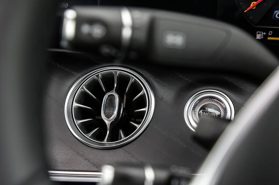 Mercedes-Benz E-Class Coupé ignition button