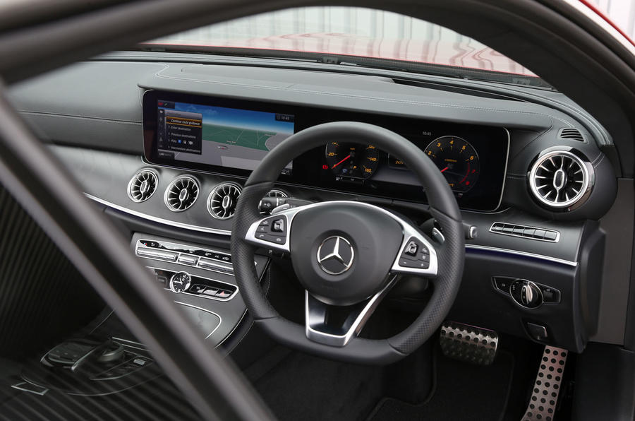 Mercedes-Benz E-Class Coupé steering wheel