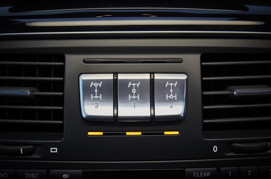 Mercedes-Benz G-Class diff locks