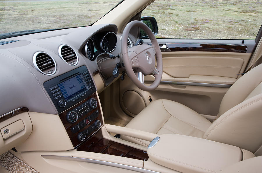 Mercedes-Benz GL interior