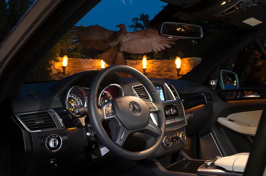 Mercedes-Benz GL 350 interior