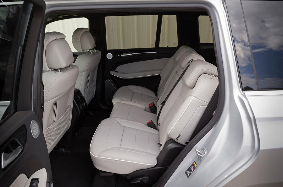 Mercedes-Benz GL 350 rear seats