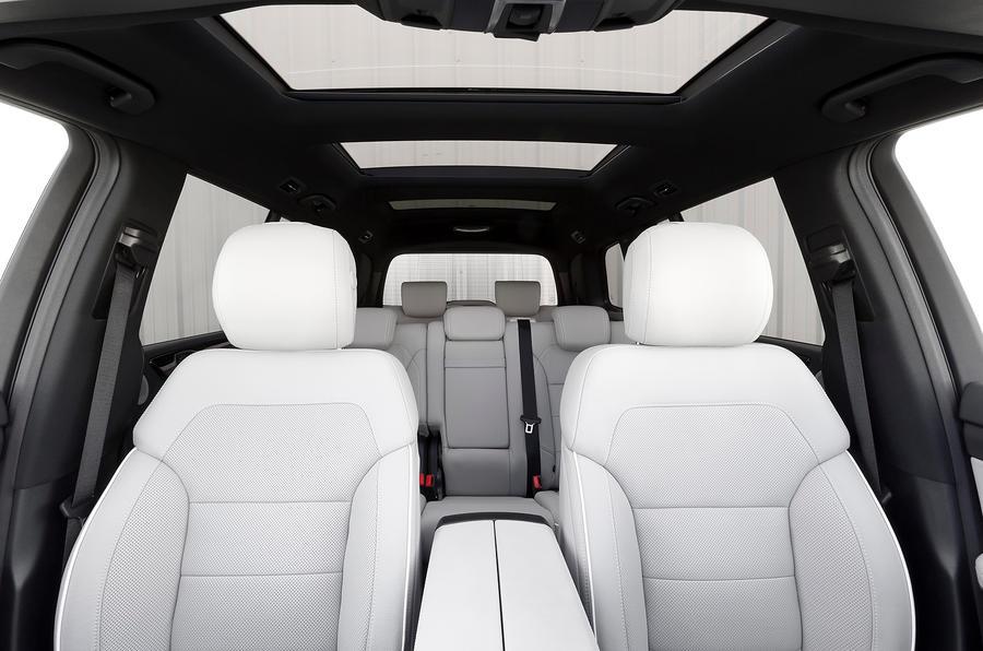 Mercedes-Benz GL 350 front seats