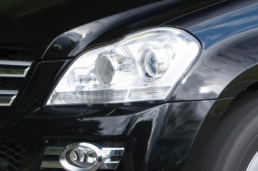 Mercedes-Benz GL headlights