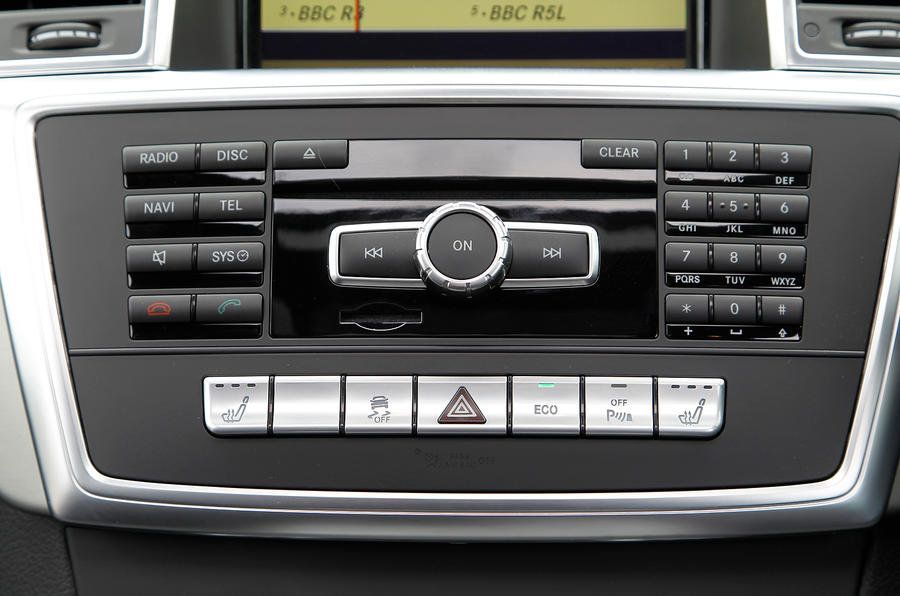 Mercedes-Benz M-Class audio system