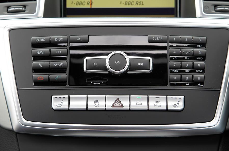 Mercedes-Benz M-Class audio system