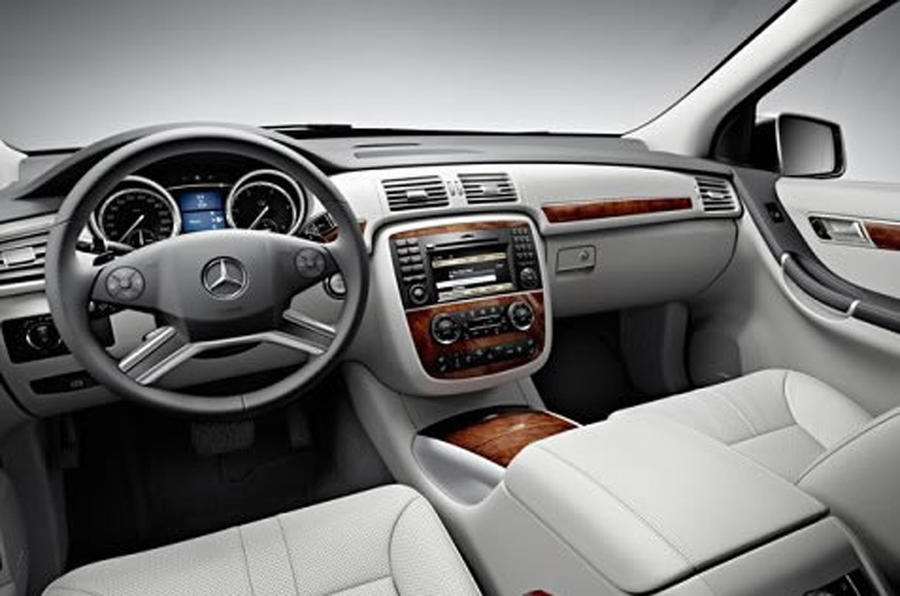Official: Merc R-class revealed