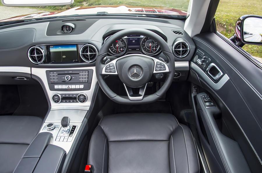 Mercedes-Benz SL dashboard