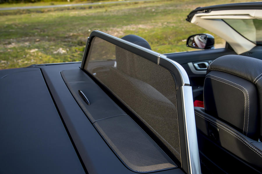 Mercedes-Benz SL wind deflector