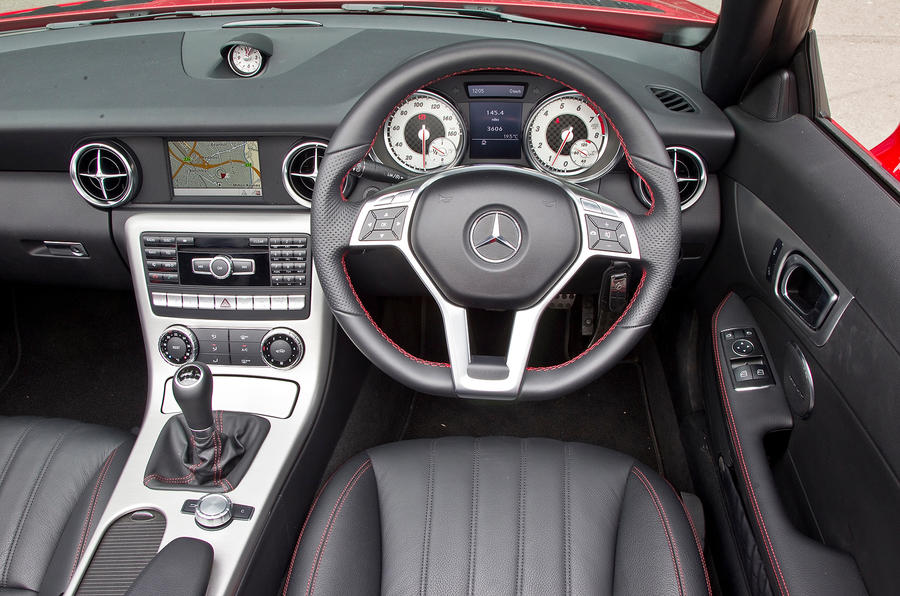 Mercedes-Benz SLK dashboard