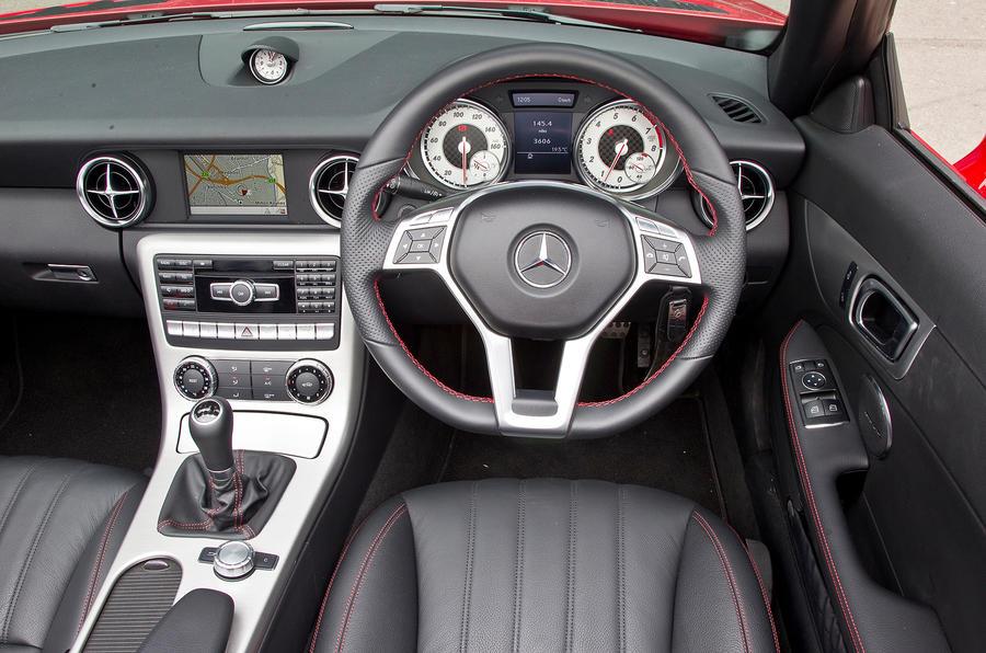 Mercedes-Benz SLK dashboard