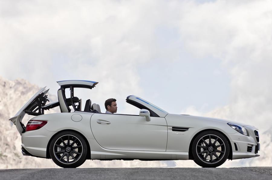 Mercedes SLK55 AMG revealed