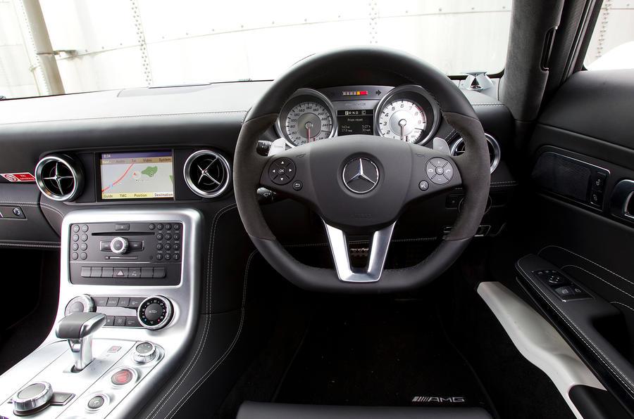 Mercedes-AMG SLS dashboard
