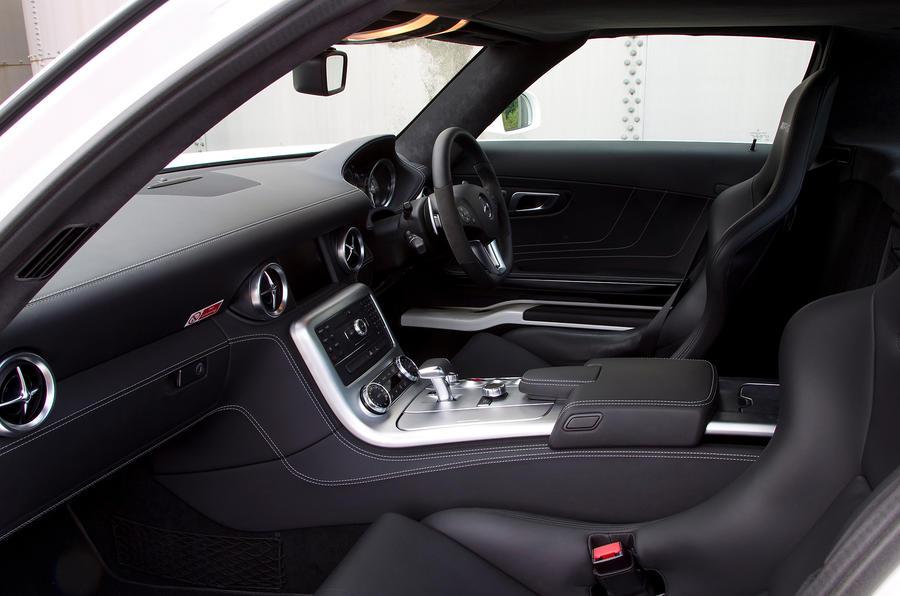 Mercedes-AMG SLS interior