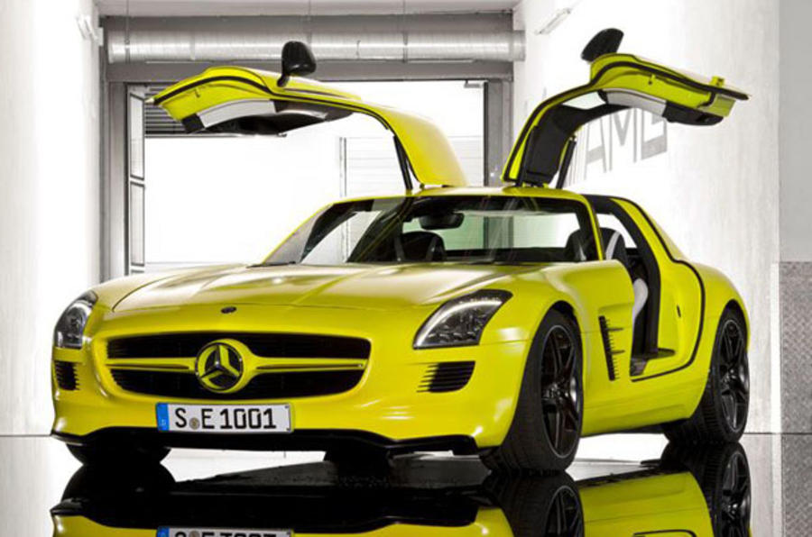 Mercedes SLS E-cell leaks out