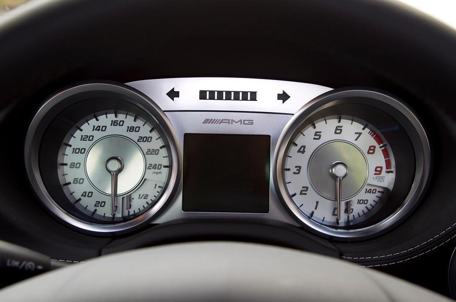 Mercedes-AMG SLS instrument cluster