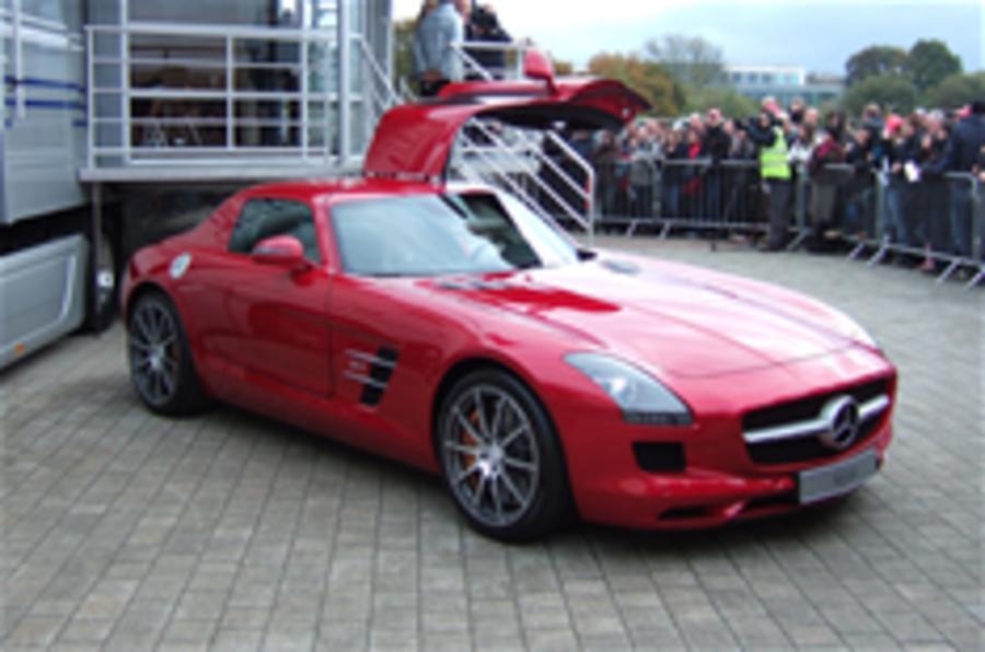 Mercedes SLS makes UK debut
