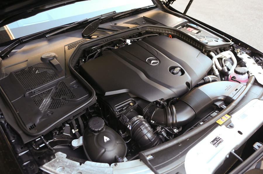 Mercedes-Benz C220 Bluetec diesel engine