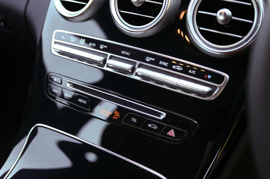 Mercedes-Benz C-Class switchgear