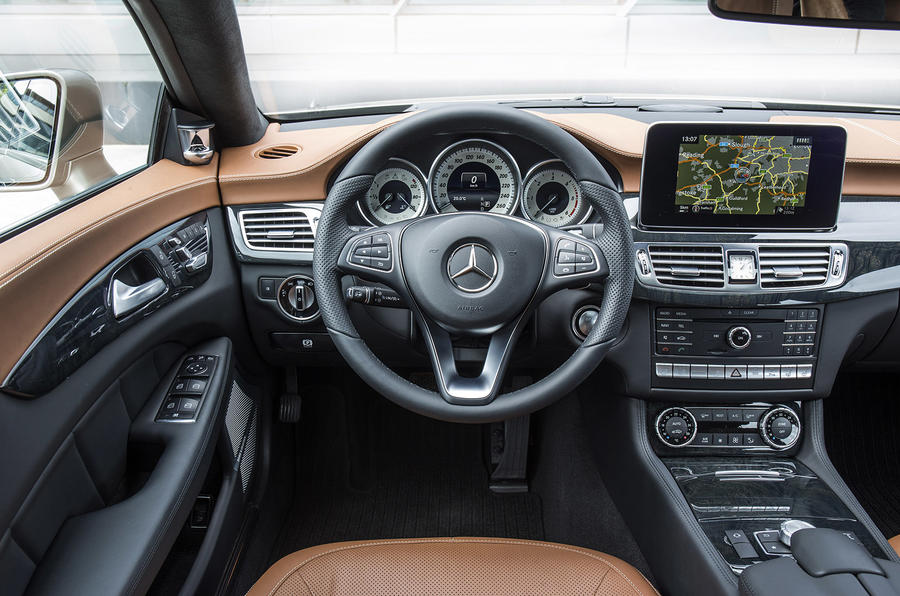 Mercedes-Benz CLS 350 dashboard