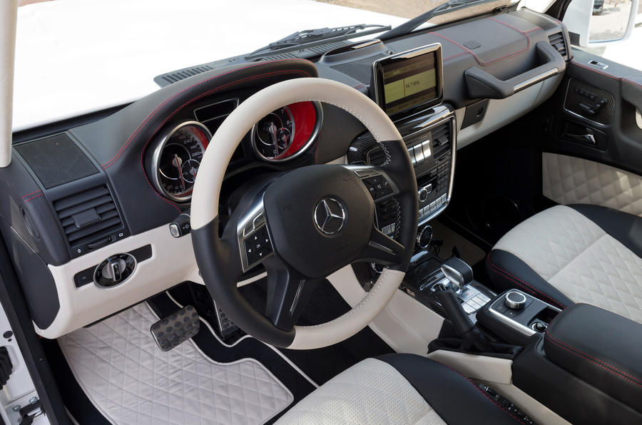 A look at the front of the Mercedes-AMG G 63 6x6 cabin