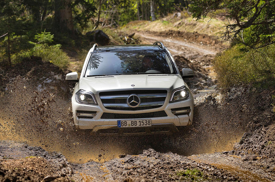 Mercedes-Benz GL 500 off-roading
