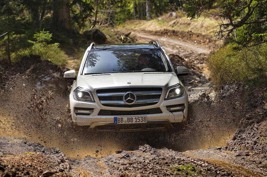 Mercedes-Benz GL 500 off-roading