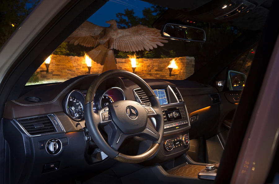 Mercedes-Benz GL 500 interior