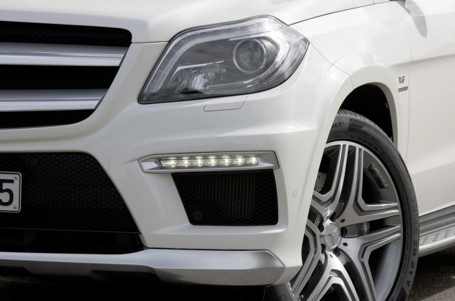 Mercedes-AMG GL 63 xenon headlights