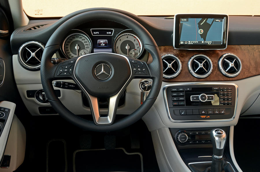Mercedes Gla  Manual