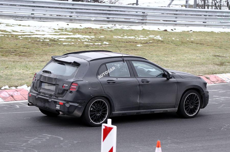 2014 Mercedes-Benz GLA - latest spy shots