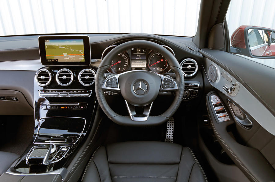 ... Mercedes Benz Dashboard ...