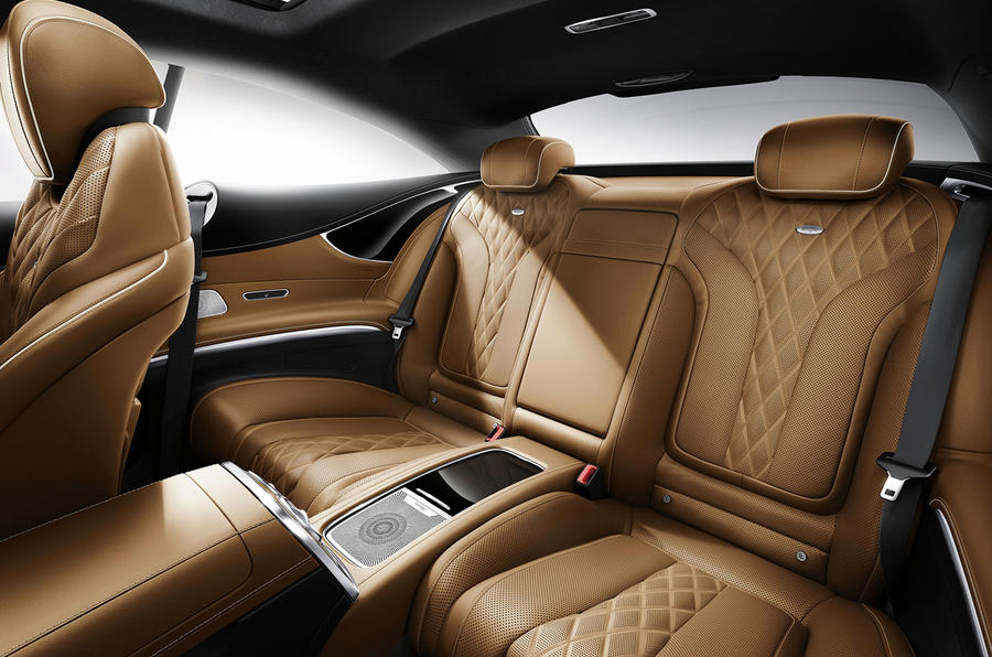 Mercedes-Benz S 500 rear seats
